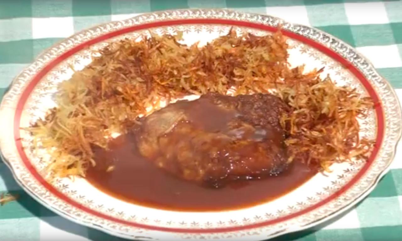 Carne-battuta-con-salsiccie-e-granella-di-pane